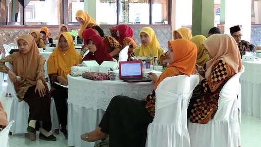 In House Training Review KTSP dan Peningkatan Mutu Pembelajaran